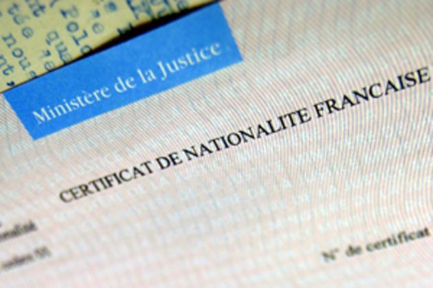 Photographie - certification de nationalité française