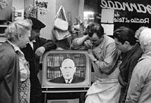 Photographie - intervention télévisée du général De Gaulle dans les années 1960