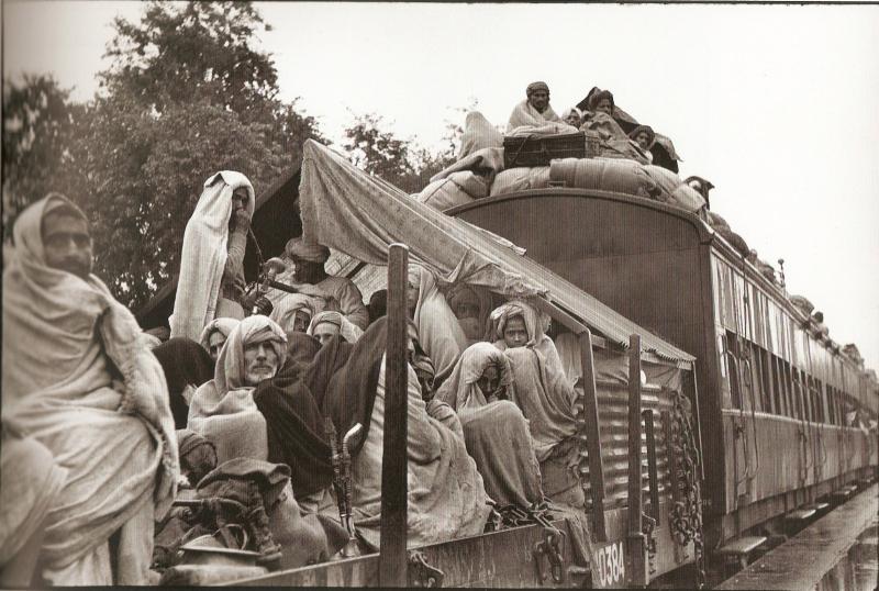 Photographie - Cartier-Bresson - réfugiés musulmans dans un train 1947